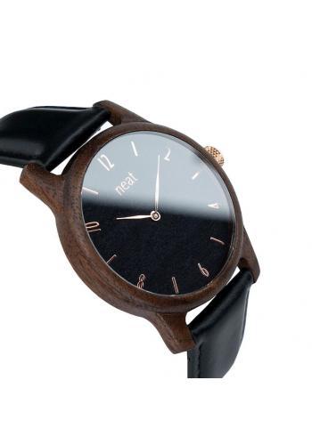 Drevené pánske hodinky čiernej farby s koženým remienkom