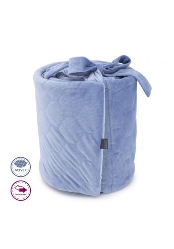 Obojstranný zamatový chránič na postieľku - svetlo modrý Denim