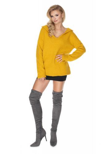 Dámsky mäkký sveter s kapucňou v žltej farbe s výstrihom