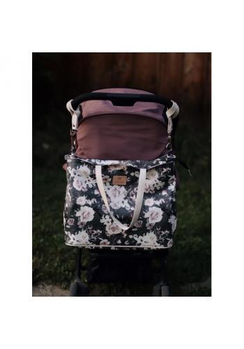 Príručná taška na kočík v čiernej farbe s potlačou nočných kvetov