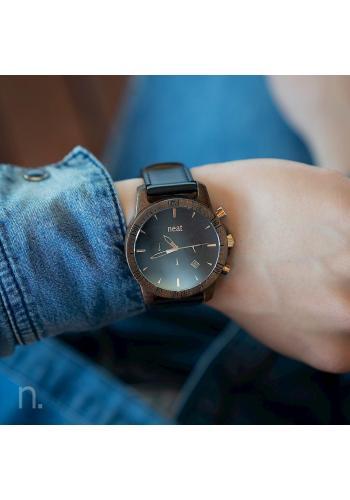 Pánske drevené hodinky s koženým remienkom v čiernej farbe