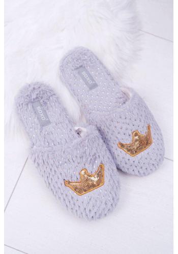 Sivé mäkké papuče so zlatou korunou pre dámy