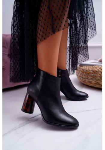Dámske kožené topánky na originálnom podpätku v čiernej farbe