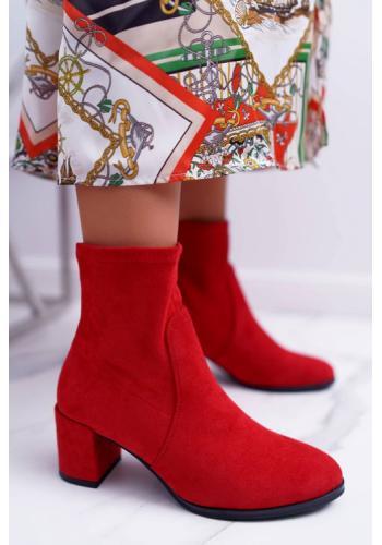 Dámské červené semišové kotníkové boty na podpatku