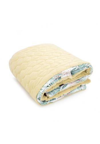 Žlutá sametová teplá deka pro děti s tropickým motivem