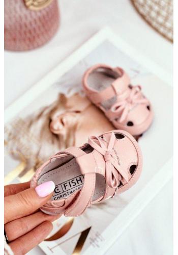 Pudrové dětské sandálky na suchý zip bílé barvy pro holčičky