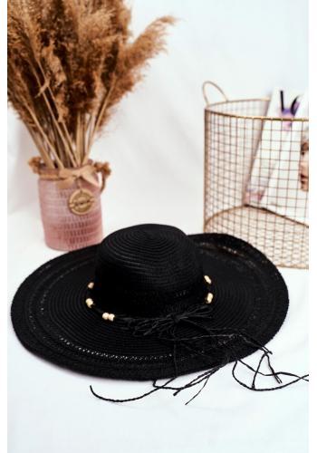 Slaměný dámský klobouk černé barvy se šňůrkou s korálky