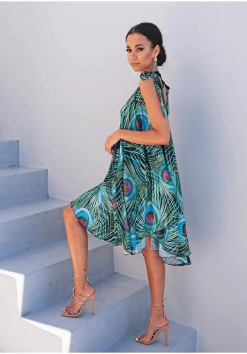 Saténové krátké šaty s vázáním na ramenou s motivem pavího peří