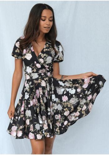 Černé šaty s výstřihem a motivem pastelových květů