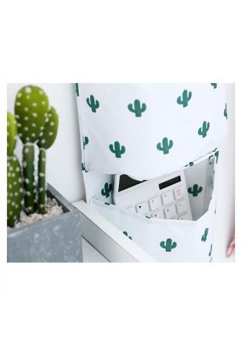 Závěsný organizér na hračky v bílé barvě s motivem kaktusů