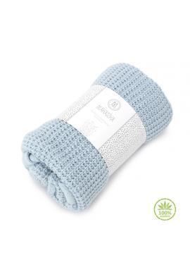 Dětská pletená deka v světlemodré barvě