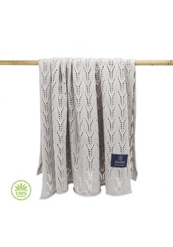 Béžová pletená deka s ažurovým vzorem pro děti