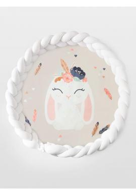 Obojstranná podložka na hranie 2v1 s obrázkom zajaca a bielym pleteným chráničom