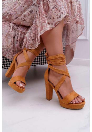 Vázané dámské sandály hnědé barvy na stabilním podpatku