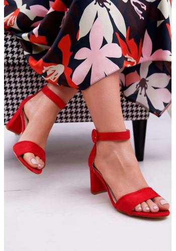 Červené semišové sandály na mírném podpatku pro dámy