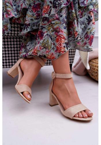 Semišové dámske sandále béžovej farby na miernom podpätku