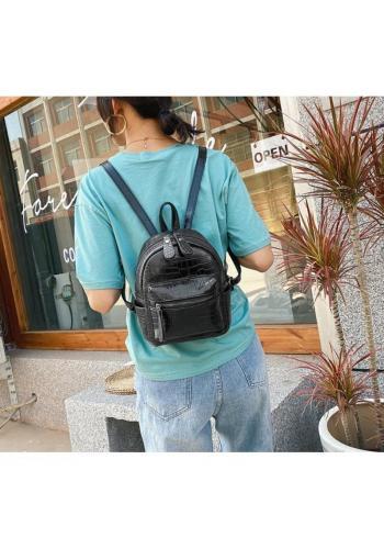 Dámský elegantní batoh z ekokůže v černé barvě