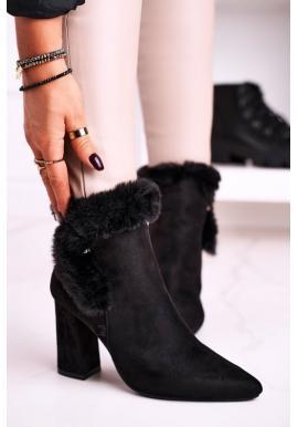 Dámské boty na podpatku v černé barvě