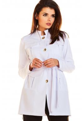 Módní dámský plášť bílé barvy ve vojenském stylu