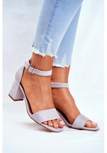 Elegantní dámské semišové sandály na hrubém podpatku v šedé barvě