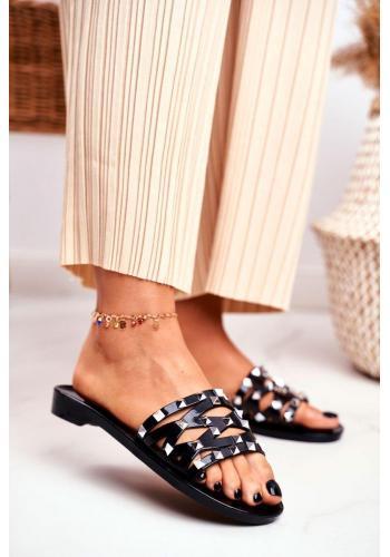 Trendy černé dámské pantofle s druky