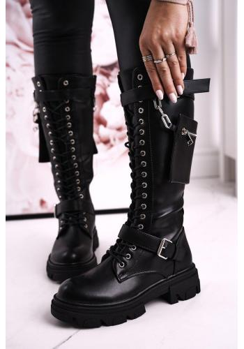 Stylové dámské kožené boty s prackami v černé barvě