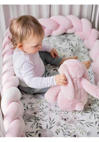 Pastelově růžový velurový chránič na postýlku