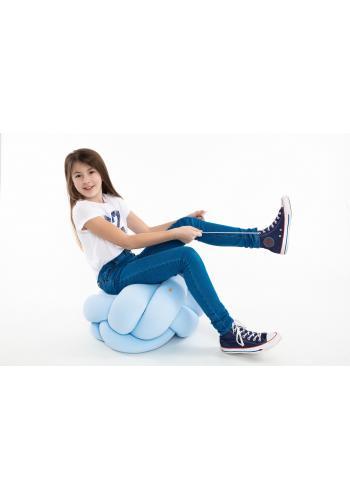 Světle modrý polštář uzlík na sezení
