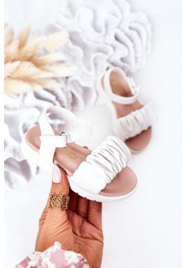 Trendy dětské sandálky v bílé barvě