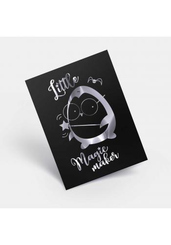 Černý dětský plakát se zrcadlovou grafikou stříbrného tučňáka