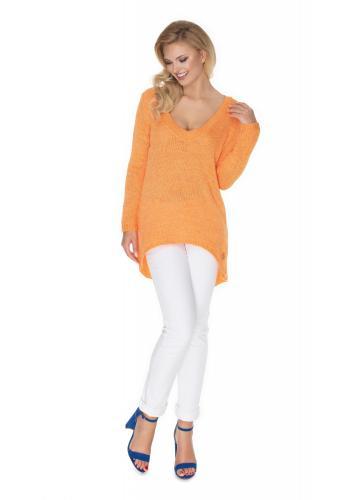 Módní asymetrický svetr s výstřihem v oranžové barvě