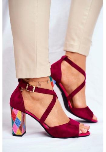 Dámské semišové sandály bordó barvy na stabilním barevném podpatku v akci