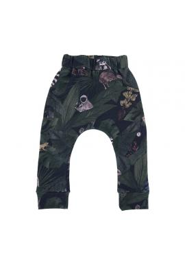 Bavlněné dětské kalhoty s gumičkou a s motivem detektivů z džungle