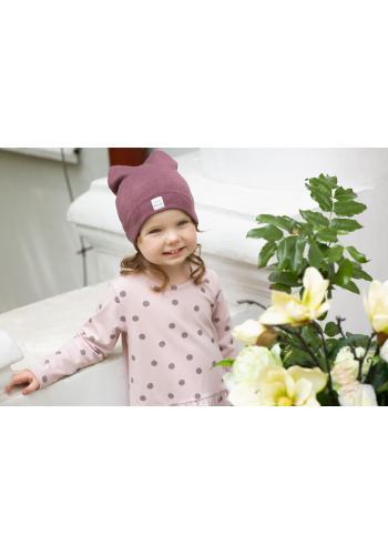 Stylová tmavě růžová čepice pro holčičku